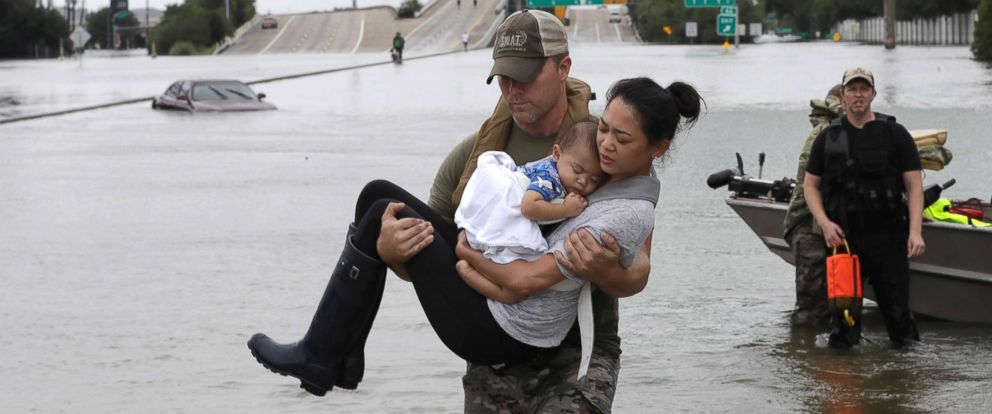hurricane-harvey-rescue mom & baby